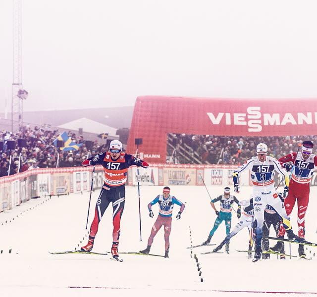 Herrarna slåss om pallplatserna på upploppet för världscupen i längdskidor på Lassalyckan.