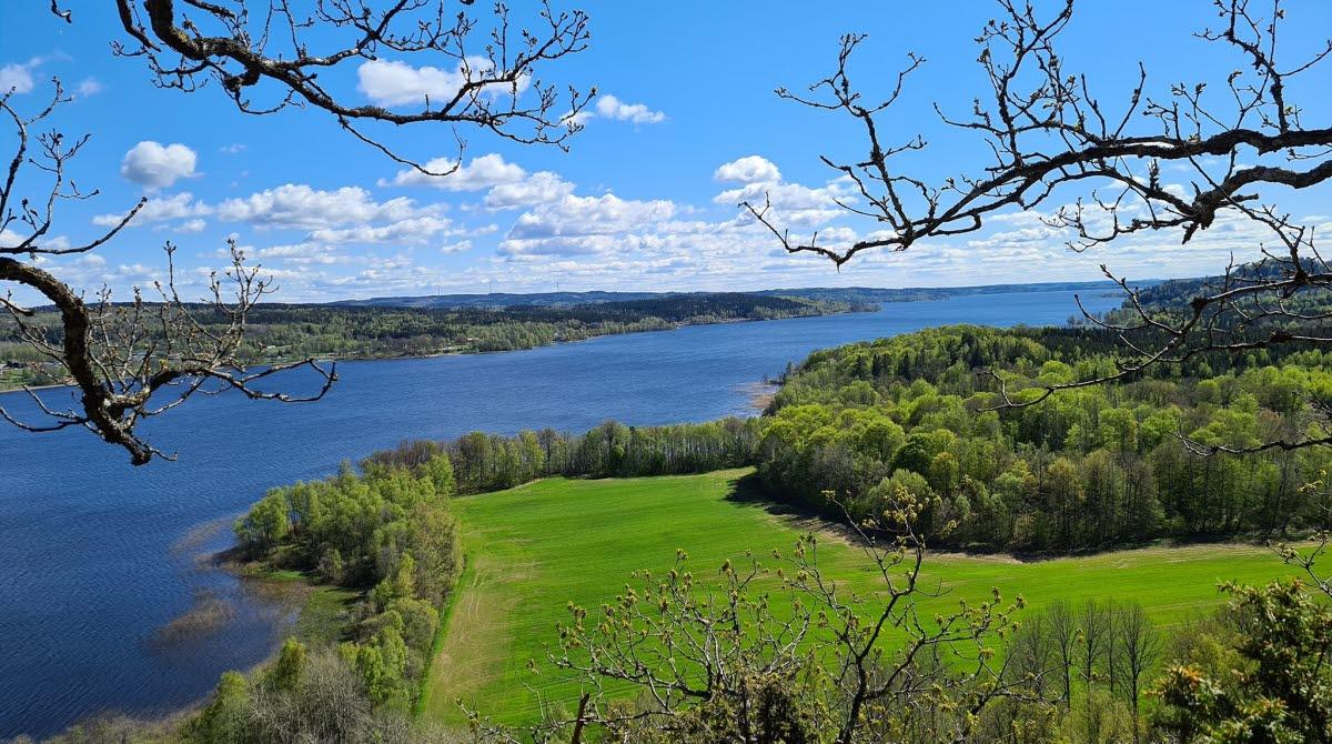 Kråkebo är en vacker utsiktsplats och naturreservat i Ulricehamn.