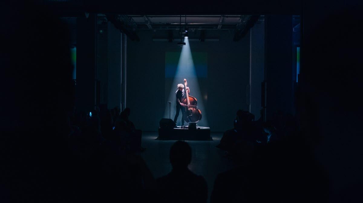 stråke på scen i Borås