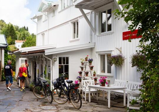 Cyklar parkerade vid Pensionat