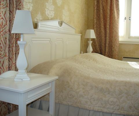 Double room at Hotel Vänerport in Mariestad.