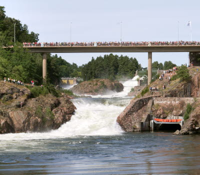 View of the Trollhättan Waterfalls and the Oscar's Bridge