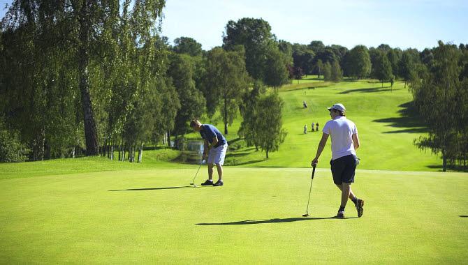 Golfspelare på Falköpings GK.