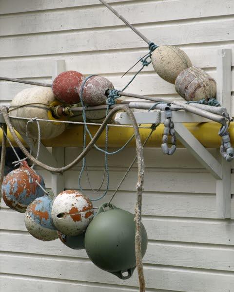 Fiskeutrustning, väle mot vägg