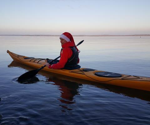 Vänern Outdoor paddlar kajak i tomteluva