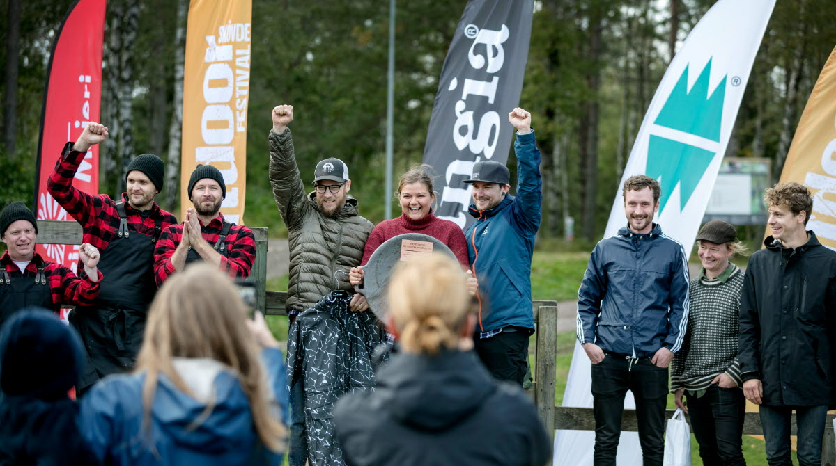 Glada vinnare vid prisutdelningen av SM i utomhusmatlagning i samband med Sweden Outdoor Festival på Billingen Skövde