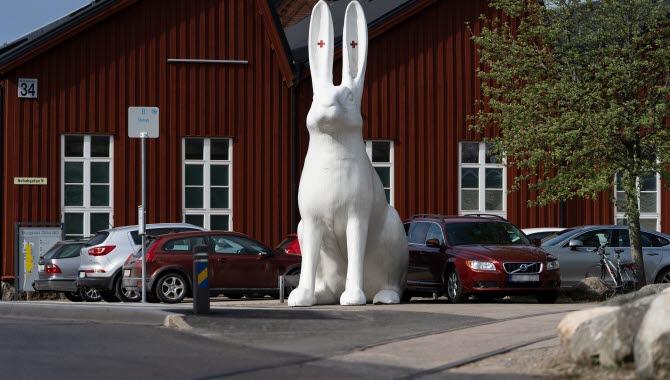 Skulpturen Albino Aid i Trollhättan