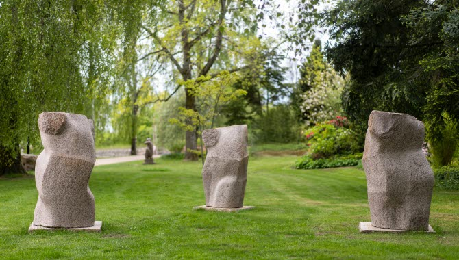 Skulpturen Spegling i Trollhättan