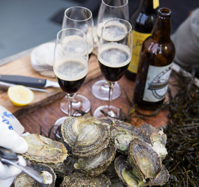 Porter and oysters