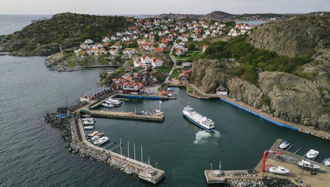 Boat and harbour at Gunnars båtturer.