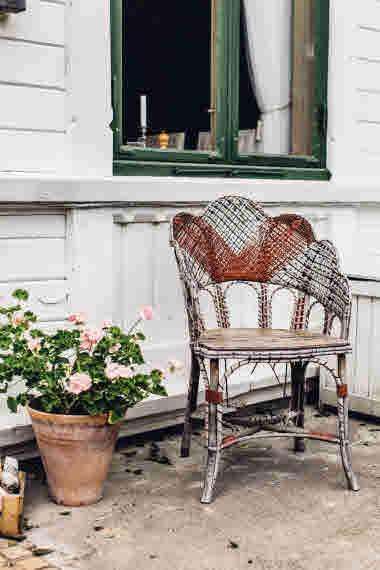 Villa Sjötorp porch- Photo Cred Jeska Hearne, Lobster & Swan