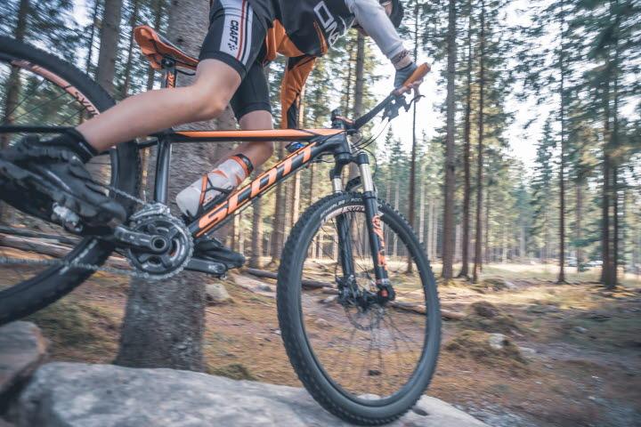 Cykel på stenblock