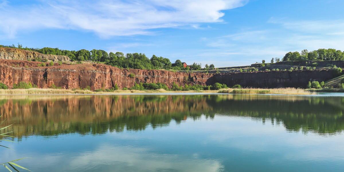 En sjö i ett stenbrott