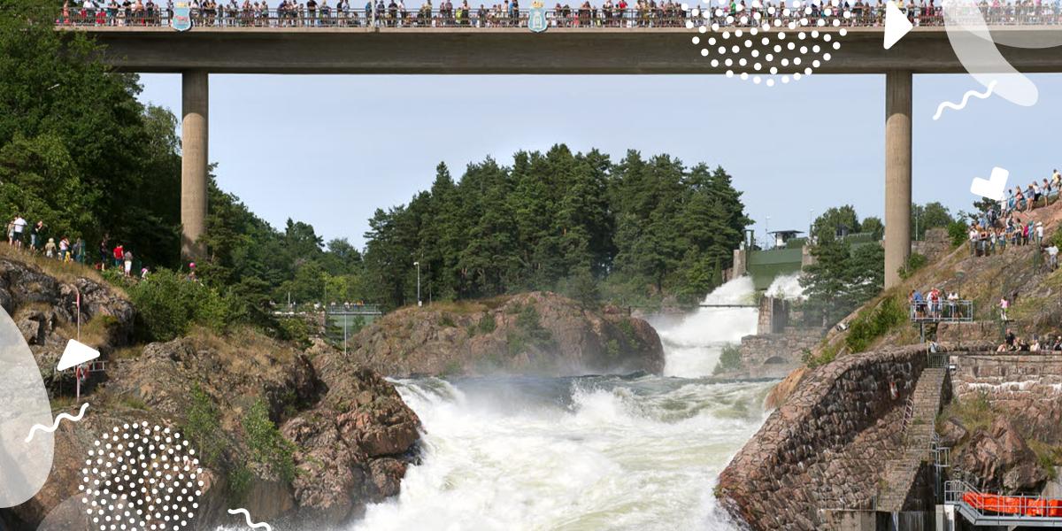 Oscarsbron i Trollhättan med utsikt över Trollhättefallen