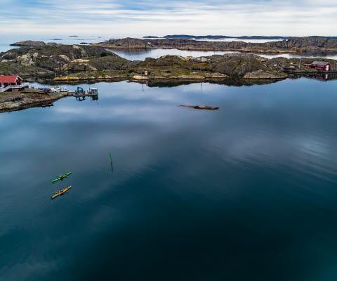 Två kajaker i Bohusläns övärld
