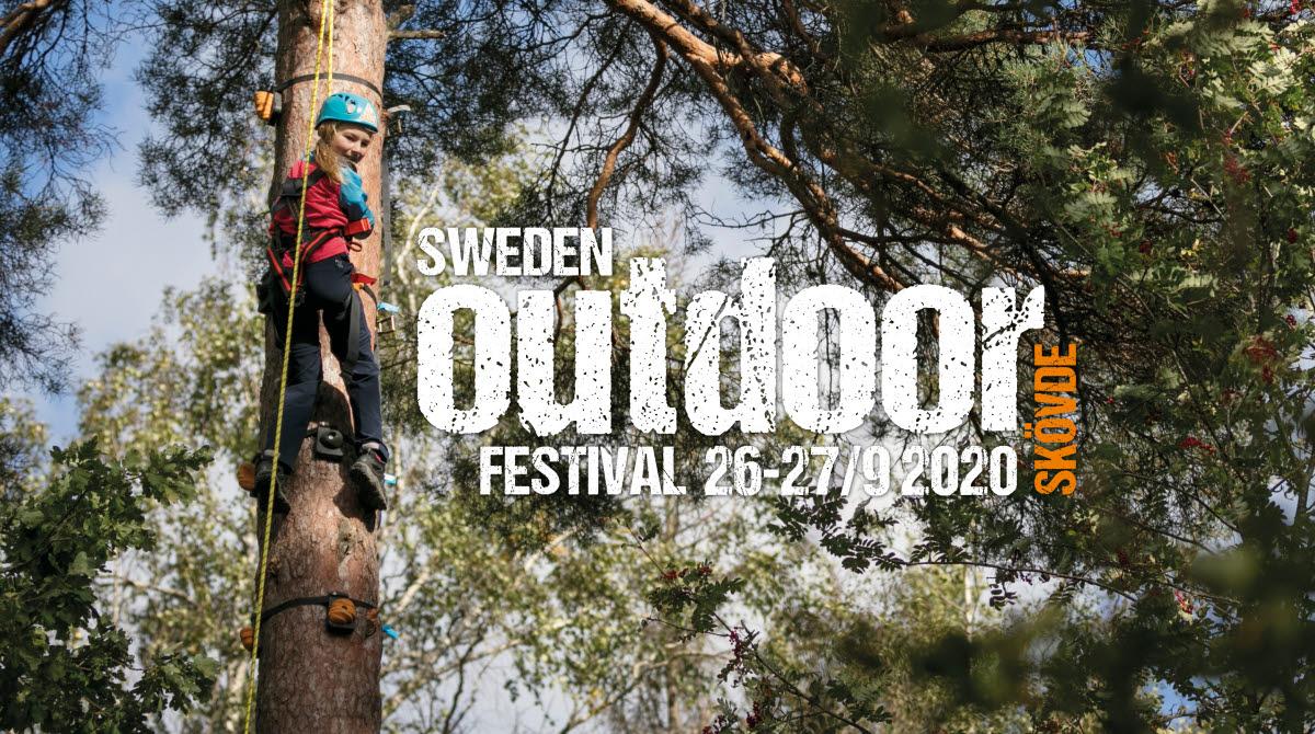 Upzone - tjej som klättrar i träd med säkerhetslina. Logotypen för Sweden Outdoor Festival 26-27/9 2020