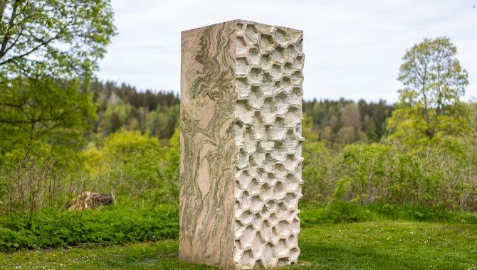 Skulpturen Ur Berget