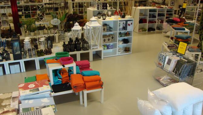 Interiör av affären Toro  Färg och Heminredning i Tidaholm.