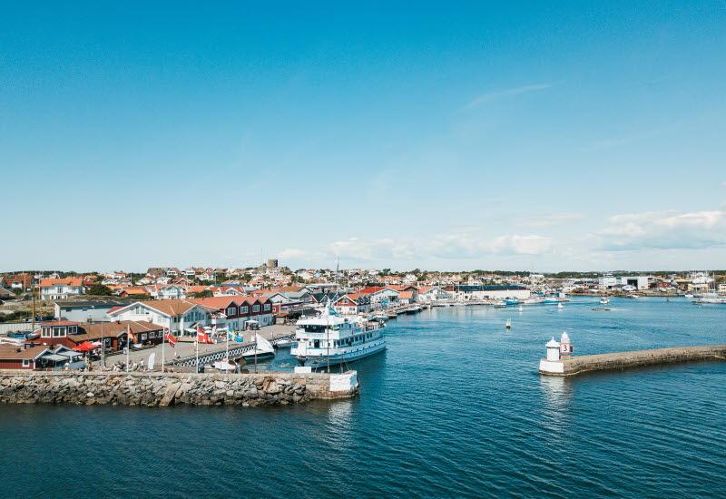 Hamnen Hönö klåva och dess hamnliv