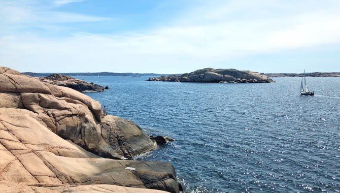 Sailboat outside the arcipelago of Lysekil