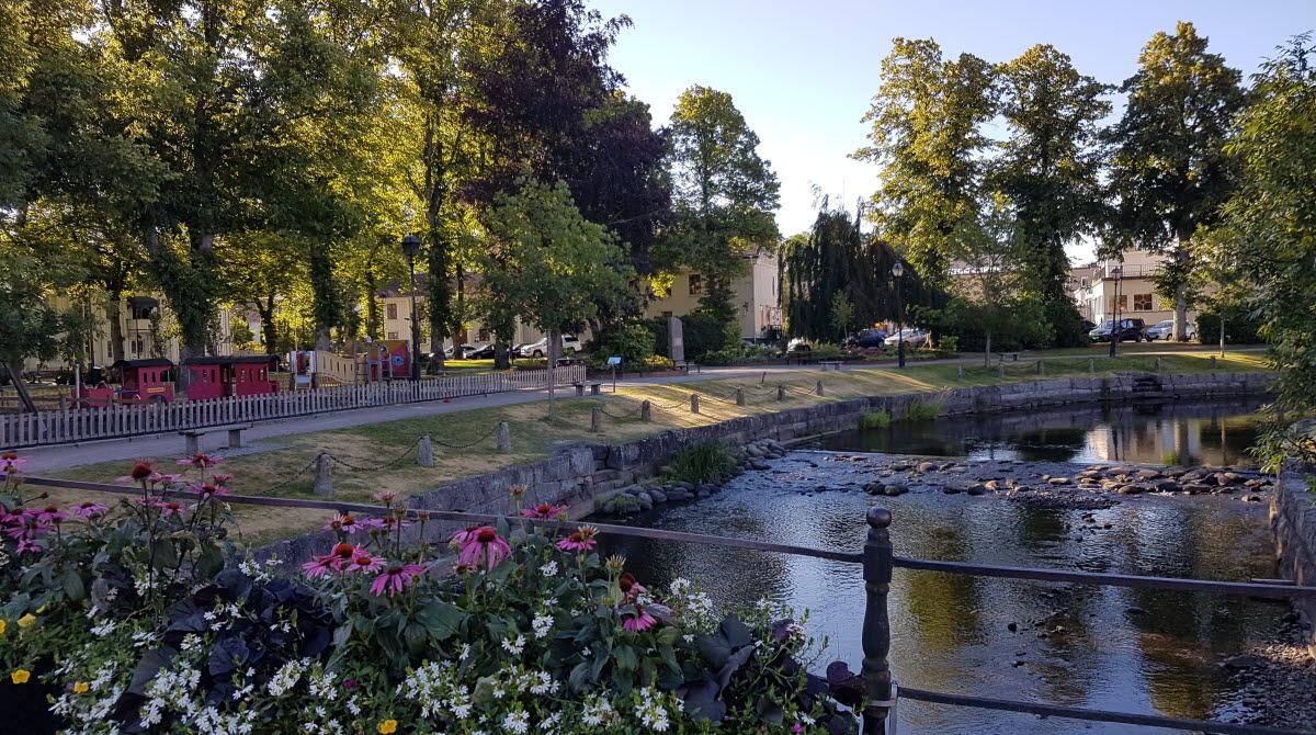 View of Åmålsån and the park Plantaget in Åmål.