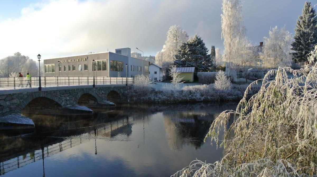 Bengtsfors på vintern i frost längs Dalslands Kanal