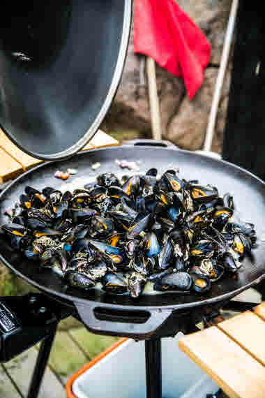Cooked mussels- Photo Cred Madeleine Landley.jpg