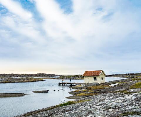 Människor som vandrar på Gullholmen