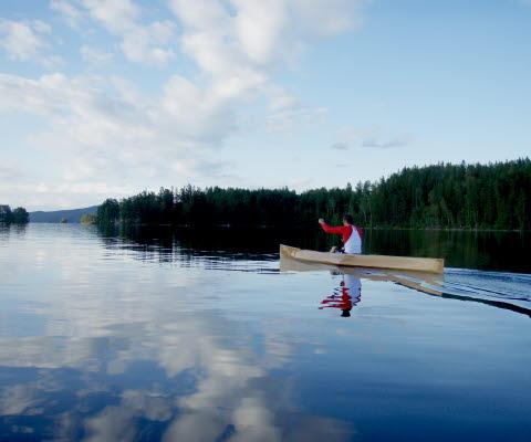 Solokanadensare C1 paddla i sjön Lelång