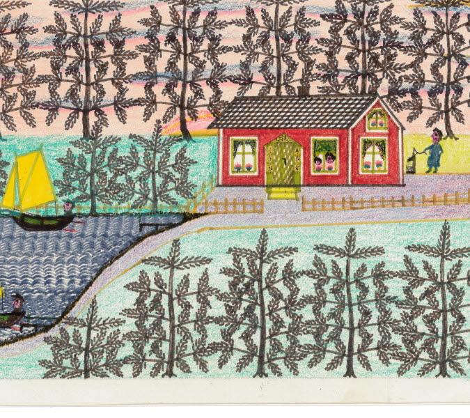 Röda hus vid en sjö. Skog runt husen. Båtar med gula segel på sjön.